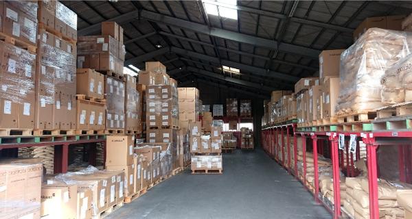 常温倉庫のほか、定温倉庫を保有しており、最適な環境を整えています。